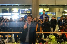 Michael Buble Landing in Seoul
