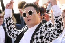 Even in the face of a mean Tweet, Psy is willing to keep his