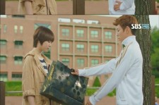 'To the Beautiful You' Sulli & Lee Hyun Woo Poke Fun