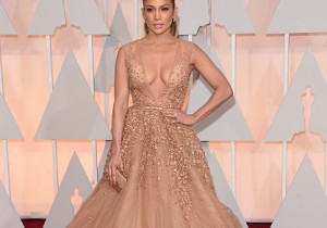 Jennifer Lopez at the Oscars 2015
