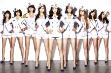A Look At The Uniform Styles Of Korean Celebrities