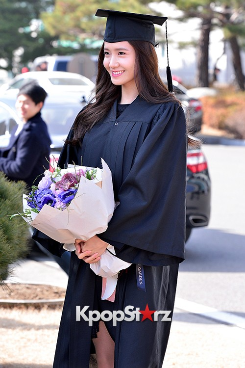 Girls Generation[SNSD] YoonA at Dongguk University Graduation Ceremonykey=>11 count30