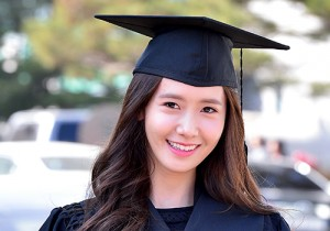 Girls Generation[SNSD] YoonA at Dongguk University Graduation Ceremony