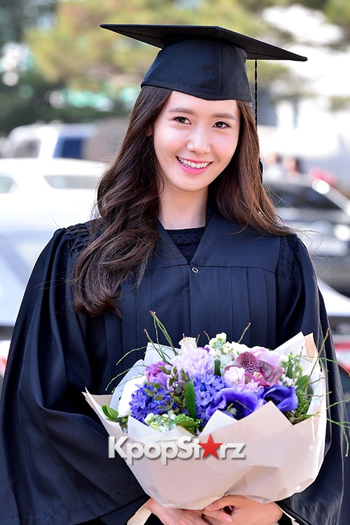 Girls Generation[SNSD] YoonA at Dongguk University Graduation Ceremonykey=>0 count30