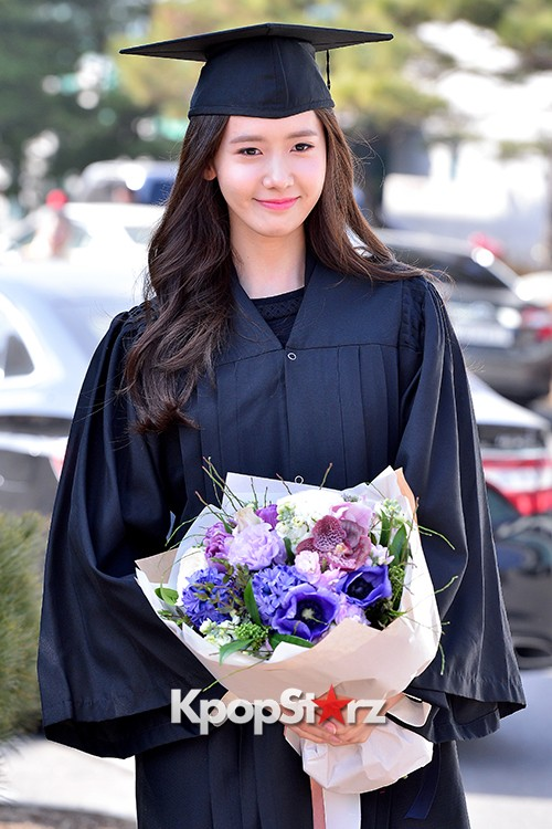 Girls Generation[SNSD] YoonA at Dongguk University Graduation Ceremonykey=>12 count30