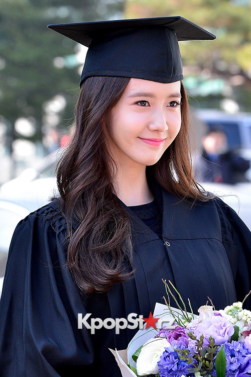 Girls Generation[SNSD] YoonA at Dongguk University Graduation Ceremonykey=>16 count30