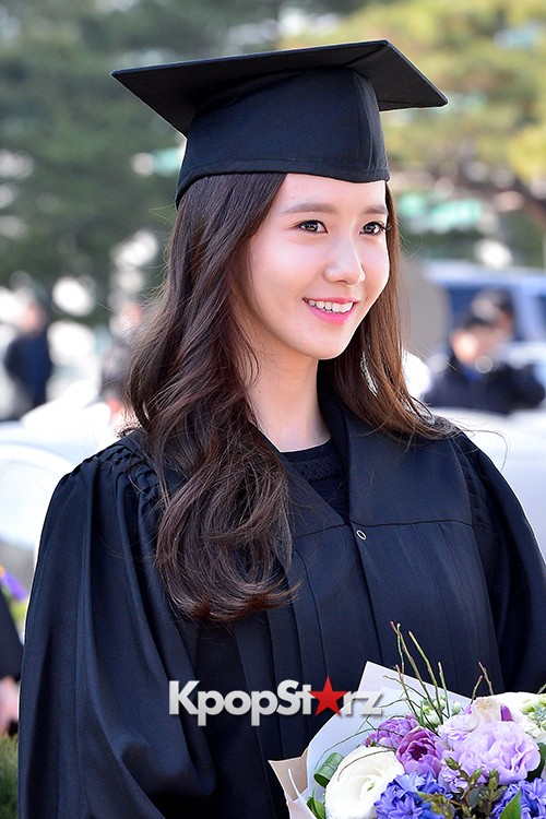 Girls Generation[SNSD] YoonA at Dongguk University Graduation Ceremonykey=>19 count30