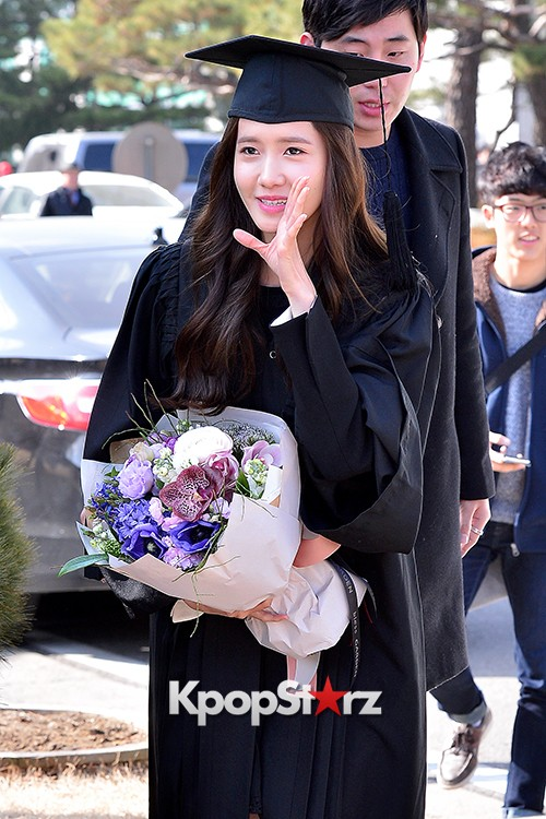 Girls Generation[SNSD] YoonA at Dongguk University Graduation Ceremonykey=>26 count30