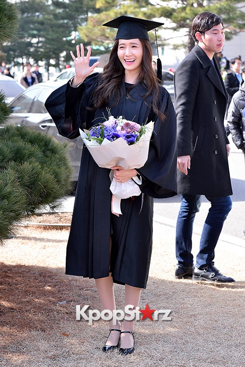 Girls Generation[SNSD] YoonA at Dongguk University Graduation Ceremonykey=>27 count30