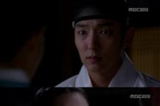 'Arang Magistrate' Lee Jun Ki Confesses To Shin Min Ah