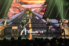 FTISLAND's Powerful Performance of 'I Wish' on September 20, 2012