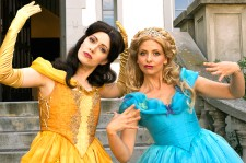 Sarah Michelle Gellar Raps As Cinderella In An Epic Cinderella Vs. Belle Rap Battle
