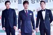 Kang Ha Neul, Shim Hyung Tak and Hong Jong Hyun at Cable TV Broadcast Awards Red Carpet