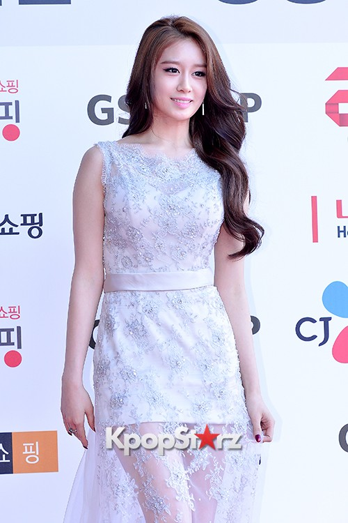 Tara's Jiyeon at Cable TV Broadcast Awards Red Carpetkey=>7 count17