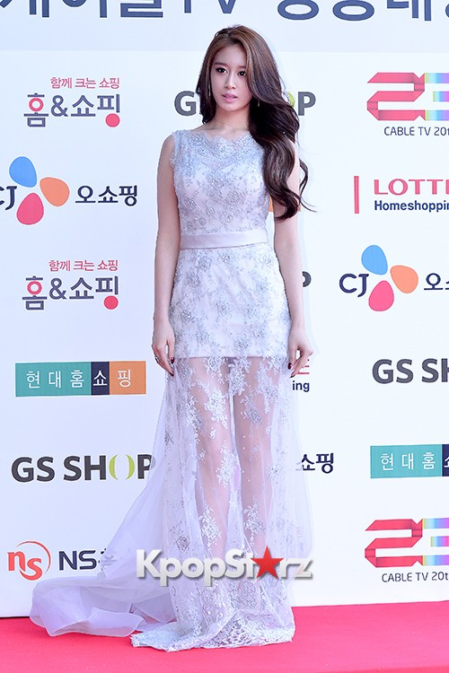 Tara's Jiyeon at Cable TV Broadcast Awards Red Carpetkey=>10 count17