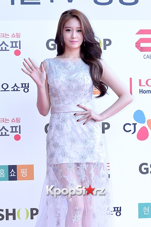 Tara's Jiyeon at Cable TV Broadcast Awards Red Carpetkey=>0 count17