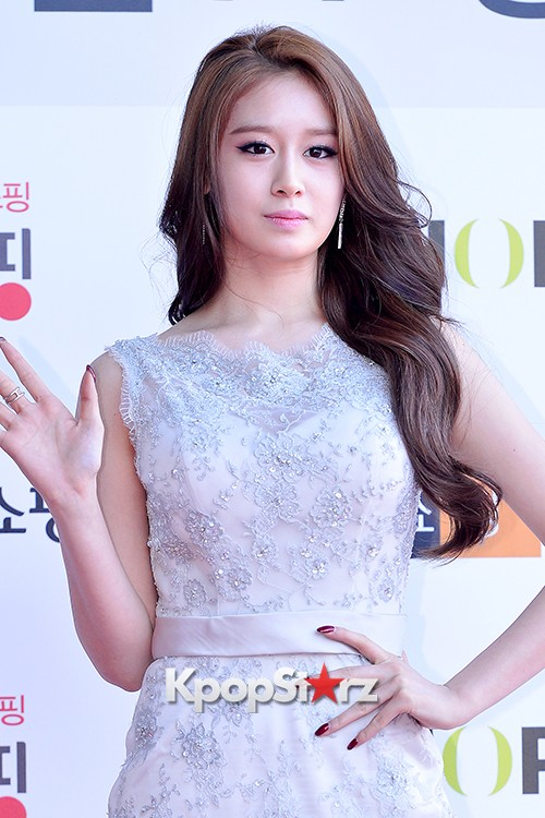 Tara's Jiyeon at Cable TV Broadcast Awards Red Carpetkey=>14 count17