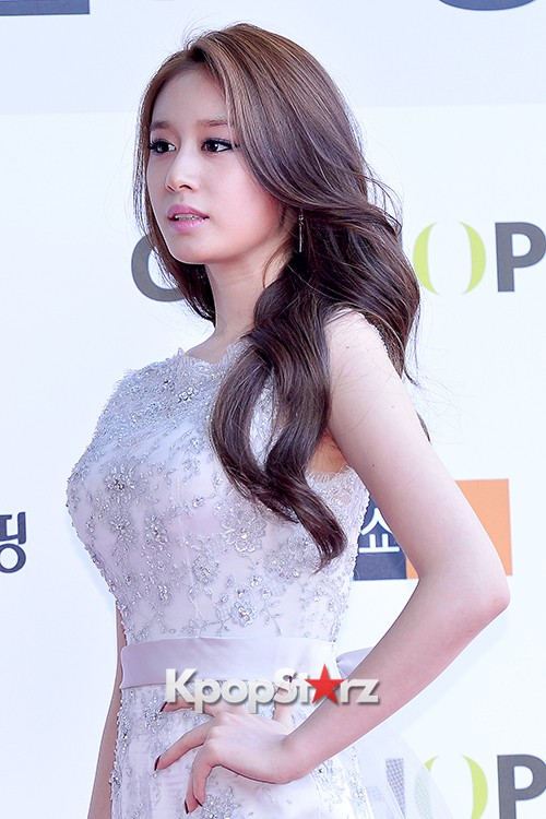 Tara's Jiyeon at Cable TV Broadcast Awards Red Carpetkey=>16 count17
