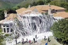 Someone Pranked Howie Mandel And Covered His House With 4,000 Rolls Of Toilet Paper