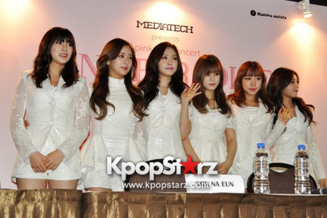 Apink Meets Singapore Media, Happy And Excited For Their First Apink Pink Paradise in Singapore [PHOTOS] key=>0 count17