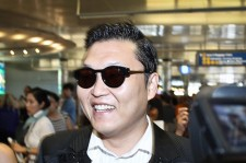 Psy will be holding a free thank you concert for his fans.