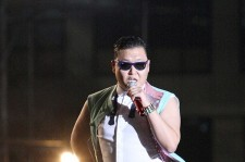 Psy's Passionate Performance with 80,000 Fans at Seoul City Hall