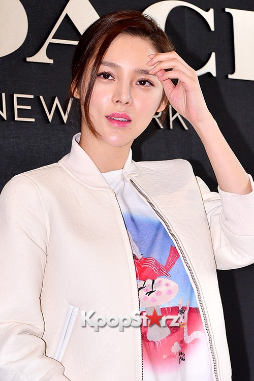 Park Si Yeon at the Opening Ceremony of COACH Flagship Store in Seoulkey=>7 count11