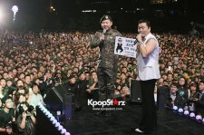 PSY put on a performance at a military camp in 'Chun Cheon' in Korea