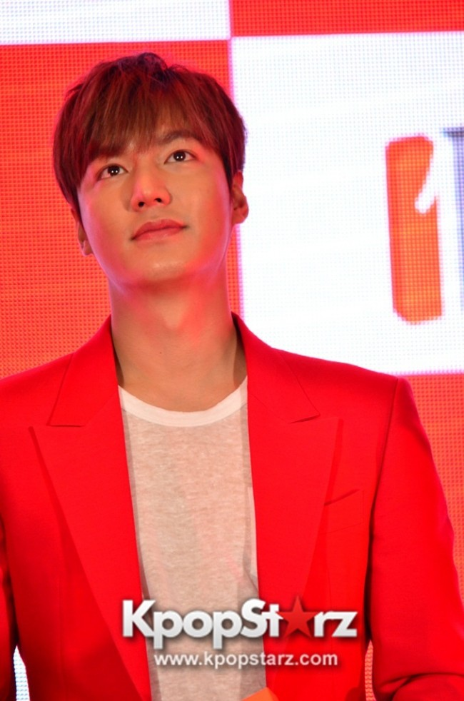 Lee Min Ho Attends 11street's Grand Launch in Malaysia - April 24, 2015 [PHOTOS]key=>8 count36