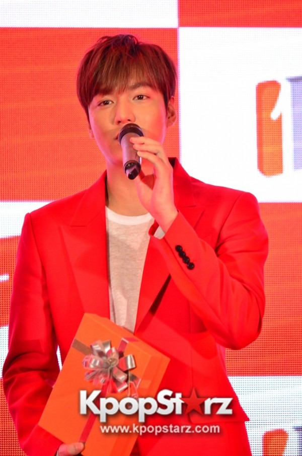 Lee Min Ho Attends 11street's Grand Launch in Malaysia - April 24, 2015 [PHOTOS]key=>13 count36