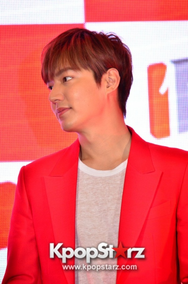 Lee Min Ho Attends 11street's Grand Launch in Malaysia - April 24, 2015 [PHOTOS]key=>10 count36