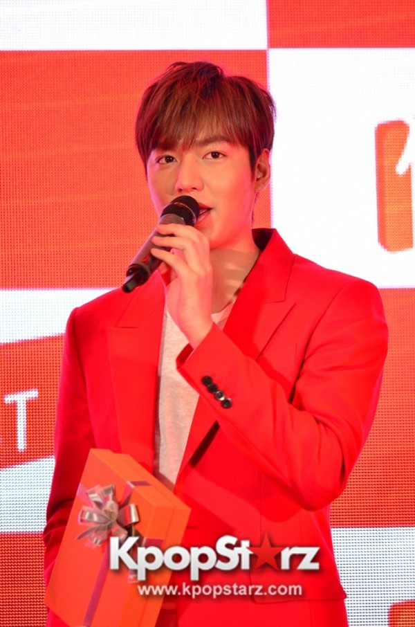 Lee Min Ho Attends 11street's Grand Launch in Malaysia - April 24, 2015 [PHOTOS]key=>14 count36