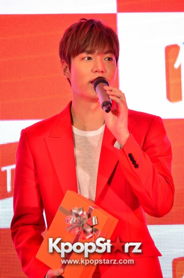 Lee Min Ho Attends 11street's Grand Launch in Malaysia - April 24, 2015 [PHOTOS]key=>15 count36