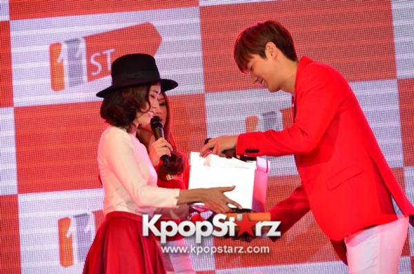 Lee Min Ho Attends 11street's Grand Launch in Malaysia - April 24, 2015 [PHOTOS]key=>20 count36