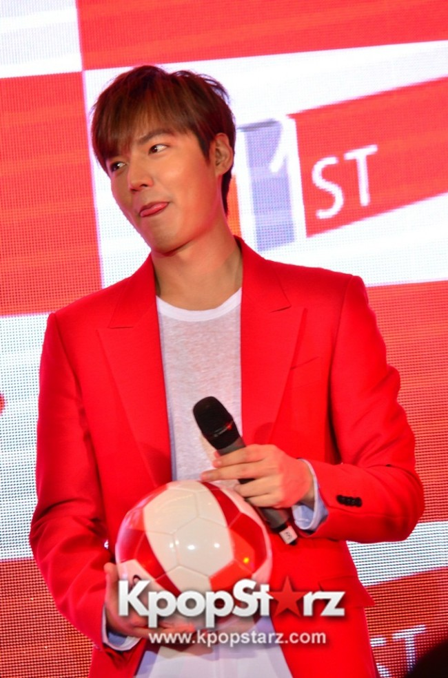 Lee Min Ho Attends 11street's Grand Launch in Malaysia - April 24, 2015 [PHOTOS]key=>23 count36