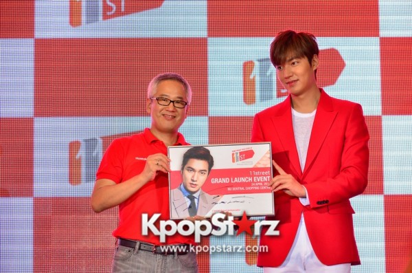 Lee Min Ho Attends 11street's Grand Launch in Malaysia - April 24, 2015 [PHOTOS]key=>24 count36
