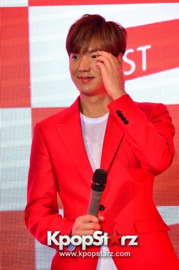 Lee Min Ho Attends 11street's Grand Launch in Malaysia - April 24, 2015 [PHOTOS]key=>28 count36