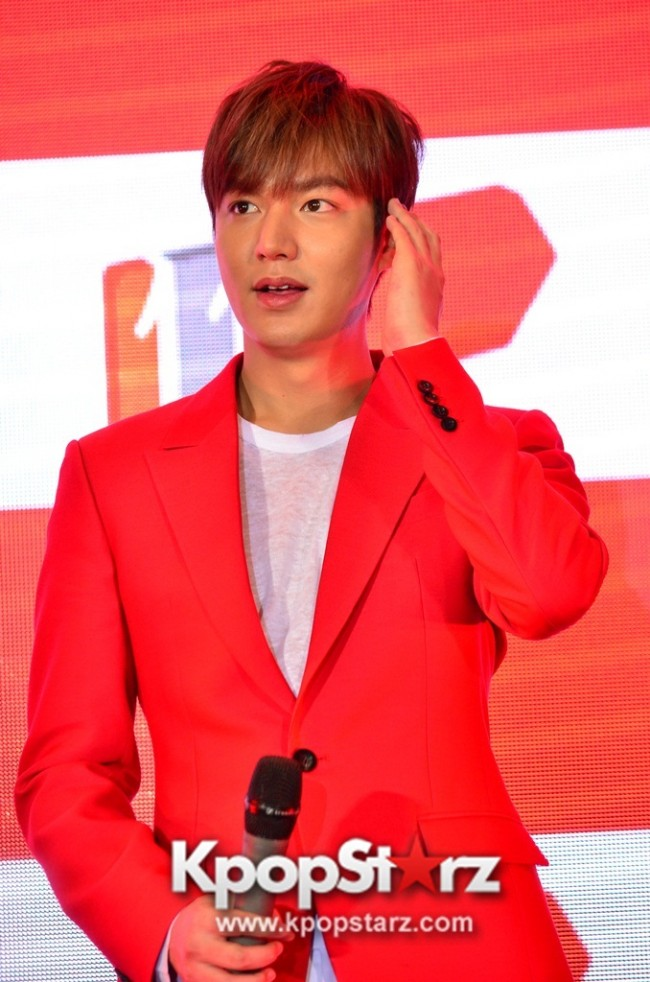 Lee Min Ho Attends 11street's Grand Launch in Malaysia - April 24, 2015 [PHOTOS]key=>27 count36