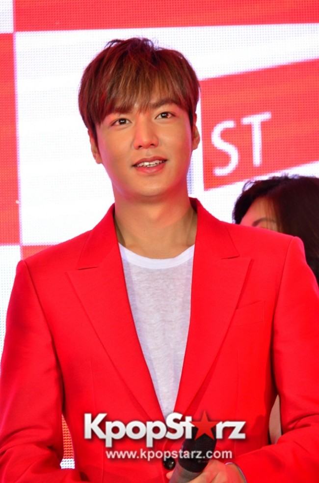 Lee Min Ho Attends 11street's Grand Launch in Malaysia - April 24, 2015 [PHOTOS]key=>29 count36
