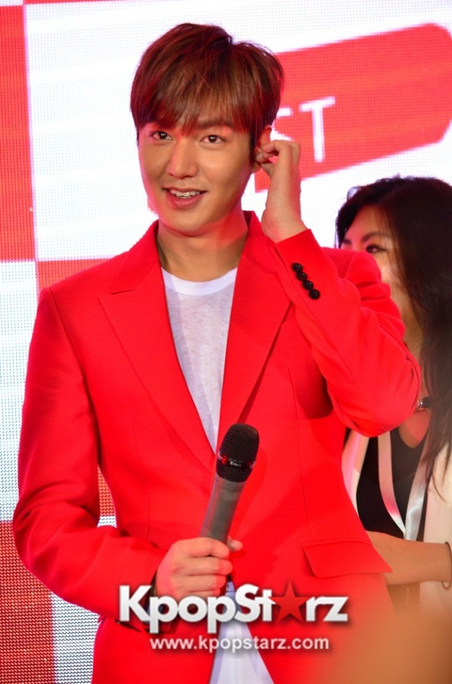 Lee Min Ho Attends 11street's Grand Launch in Malaysia - April 24, 2015 [PHOTOS]key=>0 count36