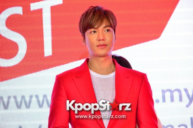 Lee Min Ho Attends 11street's Grand Launch in Malaysia - April 24, 2015 [PHOTOS]key=>33 count36