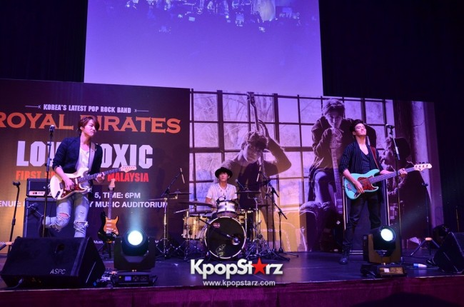 Royal Pirates wows fans in Malaysia for 'Love Toxic' promo tour - May 3, 2015 [PHOTOS]key=>2 count65