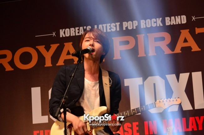 Royal Pirates wows fans in Malaysia for 'Love Toxic' promo tour - May 3, 2015 [PHOTOS]key=>17 count65