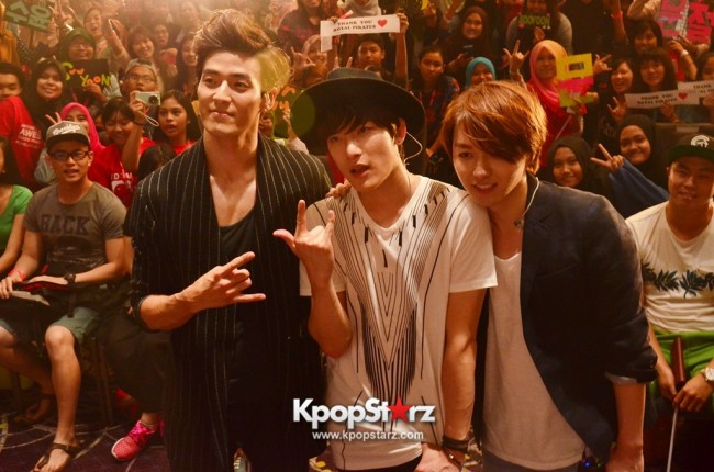 Royal Pirates wows fans in Malaysia for 'Love Toxic' promo tour - May 3, 2015 [PHOTOS]key=>56 count65