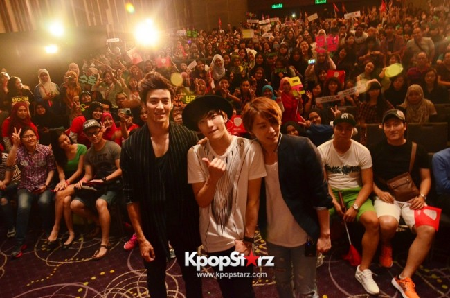 Royal Pirates wows fans in Malaysia for 'Love Toxic' promo tour - May 3, 2015 [PHOTOS]key=>55 count65