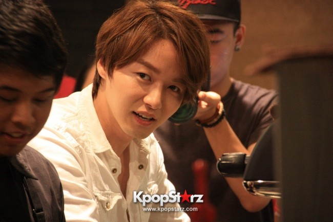Fans Gathering: Royal Pirates as Baristas for Lucky Fans in Malaysia - May 2, 2015 [PHOTOS]key=>4 count37