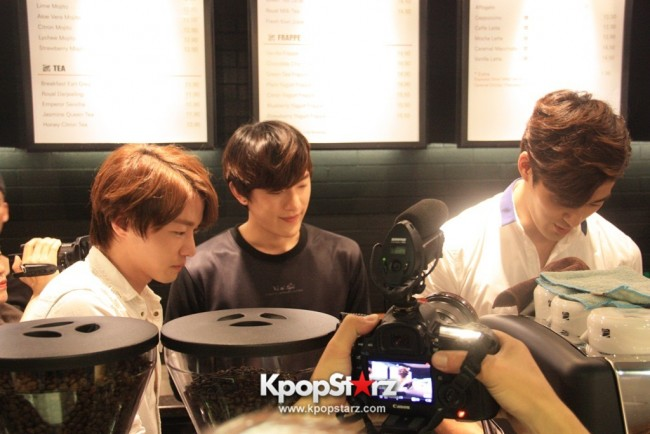 Fans Gathering: Royal Pirates as Baristas for Lucky Fans in Malaysia - May 2, 2015 [PHOTOS]key=>12 count37