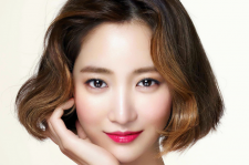 Go Joon Hee Marie Claire Magazine May 2015 Issue MAC Cosmetics Huggable Lipcolor line