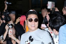 'World Star' Psy Shows off his Mickey Mouse Fashion before Leaving for Australia at Incheon Int'l Airport