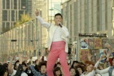 Americans Get A Taste Of Psy's 'Right Now'